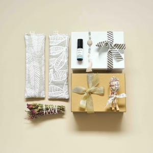 Gift Boxes & Cards